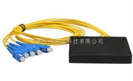 1分4尾纖式分光器SC方頭電信級光分路器盒式