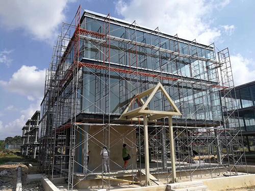 汽车城钢结构夹层工程